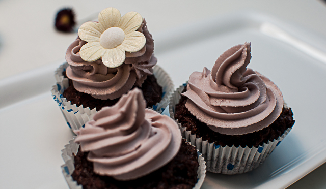 Vegan-Sweet-Rose-Chocolate-Cupcakes-252819-von-21-2529