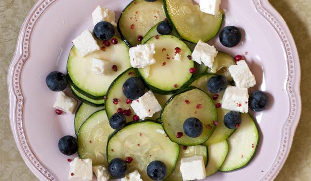 Heidelbeer-Zucchini-Salat