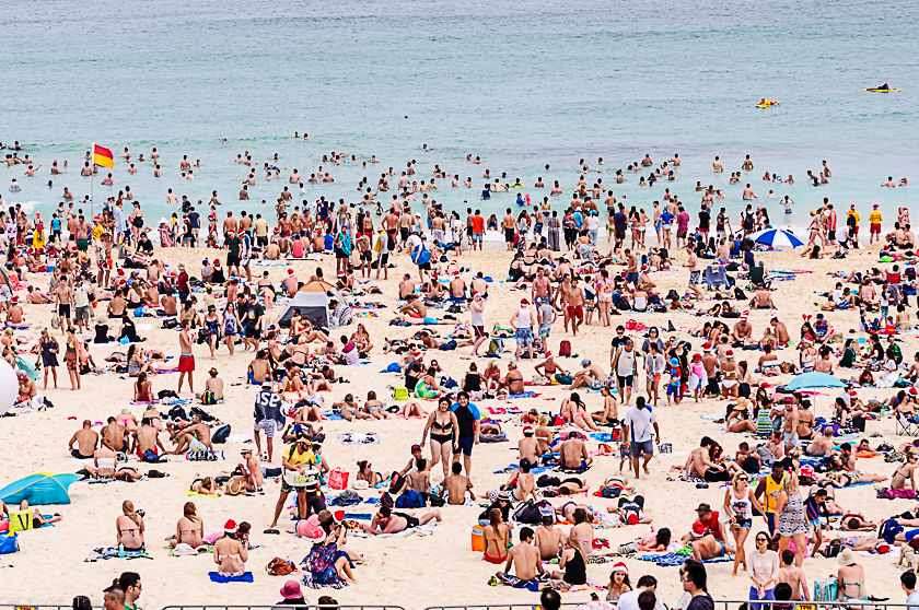 Crowded beach in Bondi on Christmas Day 2014