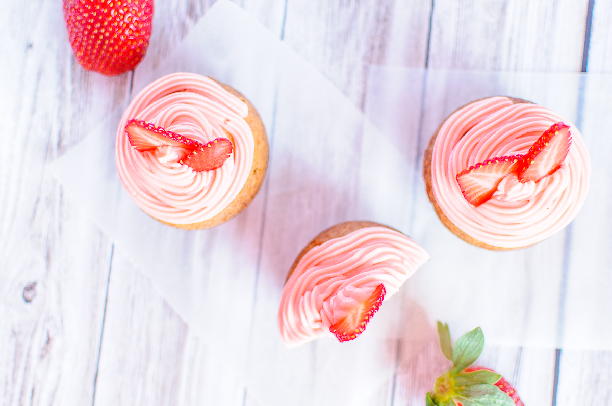 Vegane Erdbeer-Cupcakes
